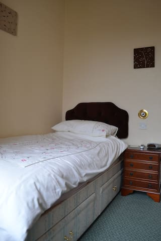 Refurbished single room,hill view