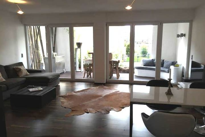 modern and cosy apartment, 30 min to Frankfurt - Großkrotzenburg - Leilighet