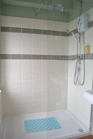 Large Power Shower