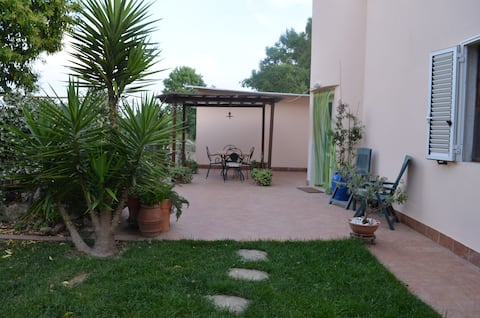 Home at 3 Km from Baratti with garden