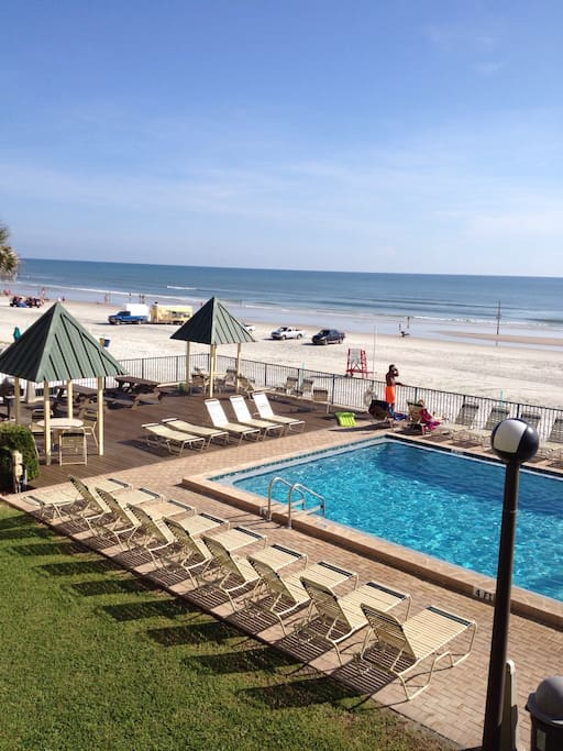Oceanfront 2 2 beside fishing pier appartements louer for Daytona beach fishing