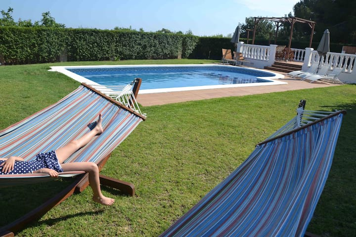 exceptional apt: stunning views, pool, bbq, wifi - El Catllar - Daire