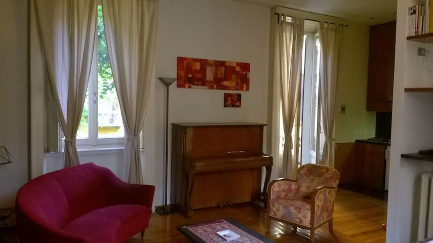 Pianoforte e finestre