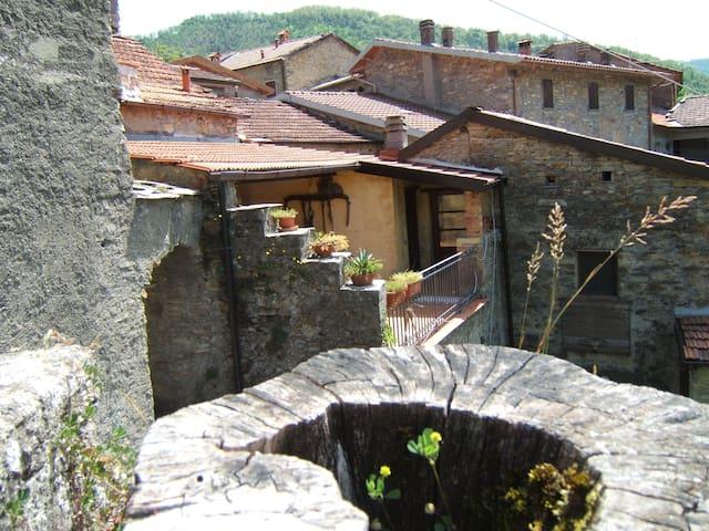 Stanza 3 letti singoli in Toscana - Cattognano - Casa