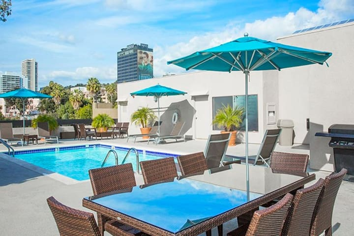 Beautiful apartment in heart of West Hollywood! - West Hollywood - Apartment
