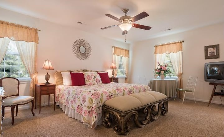 Dowell Master Suite