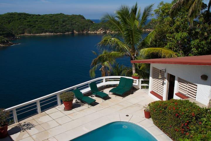 Privado Villa Frente/Mar con acceso