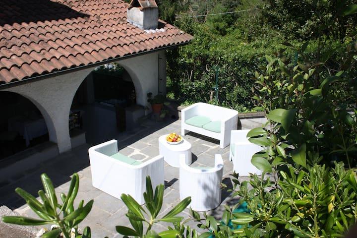 """""""Le Terrazze"""" indipendent apartment in Versilia - Piano di Mommio - Huis"""
