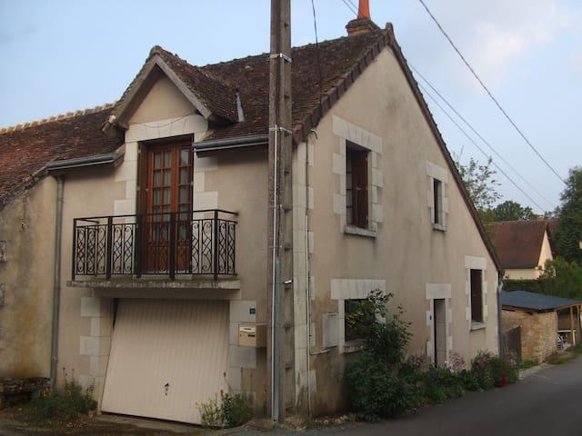 Petit village de touraine  - Épeigné-les-Bois