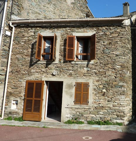Charmante maison de village - Cagnano - House