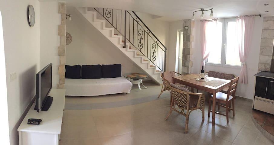 Дом с тремя спальнями, барбекю и террасами. - Sutomore - Hus
