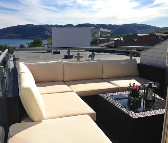 Exclusive 110m2 w/great Fjord view, Best Location!
