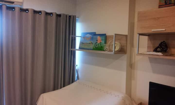 Pum's home(Studio room in Bangsaen)