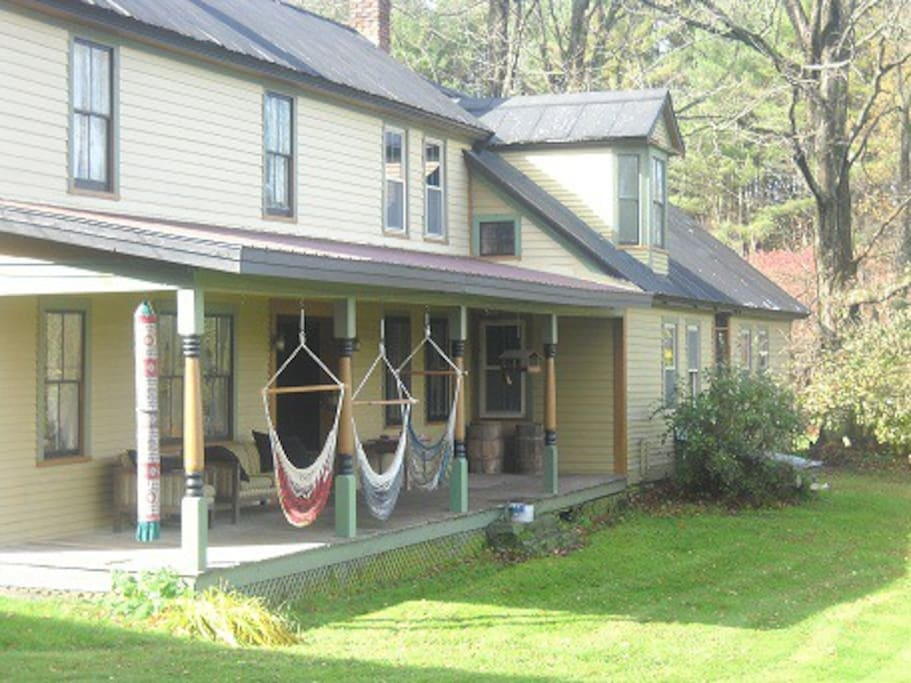Royalton Bed and Breakfast 2 bedrooms with Queen-Sized Beds in Each