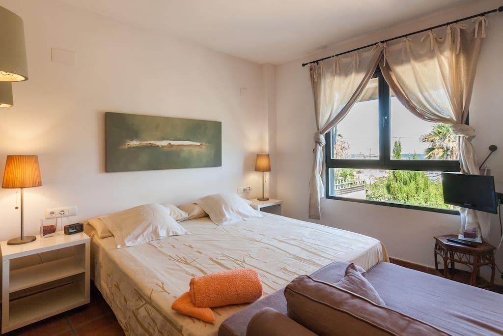 Moderna habitaci n con vista al mar chalet playa casas - Alquiler de una habitacion en madrid ...