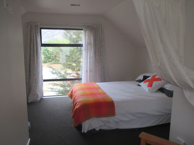 Garden Cottage/Private Bedroom - Lower Shotover