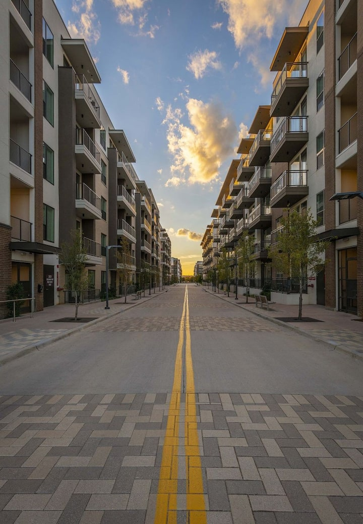 HarlowStays | 1BR @ The CityLine 2 | Richardson