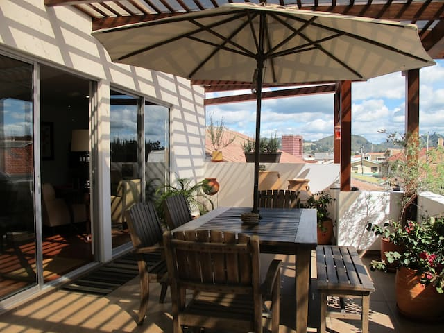 New Apartment with Large Balcony - Cuenca - Flat
