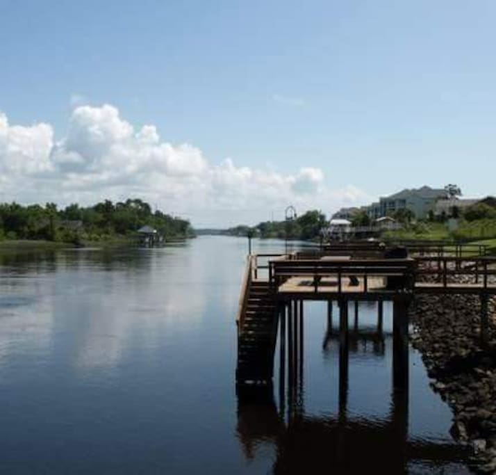 5 small piers to fish or have a picnic lunch