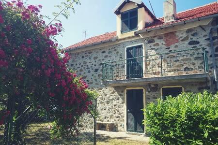 Casa in campagna a 30 Km dal mare - Piancastagna