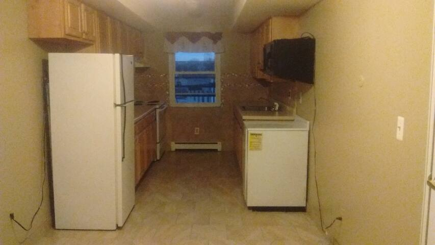 A single bed in a living room 4 male or female, NJ - North Arlington - 公寓