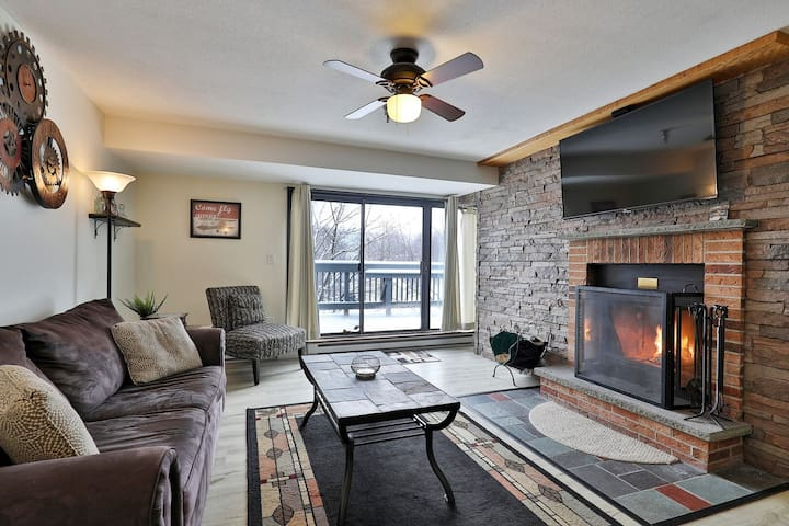 Charming 1 BR Mountain Green Resort Condo w/ Pool, Hot Tub and more. 3C08