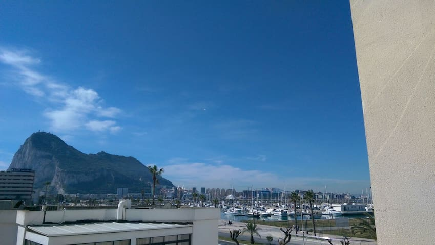 On the sea front with views of gib - La Linea de la Concepción - Apartment