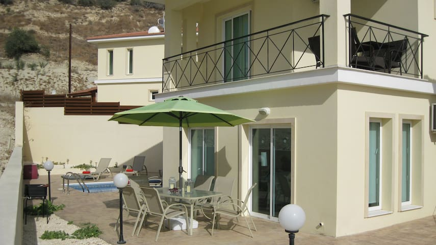 Relaxing villa with private pool  - Anafotida - Villa