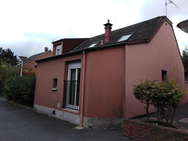 Exceptionnelle maison T5 - St-Brice Courcelles