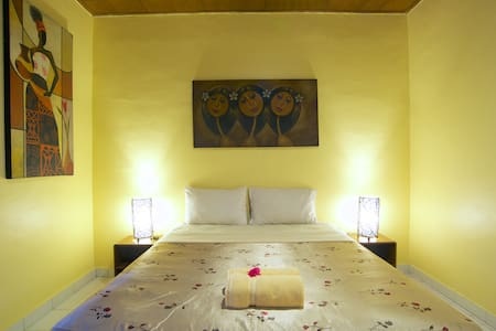 A8-NICE QUEEN ROOM,POOL,GARDEN VIEW,FREE BREAKFAST - Kuta - Bed & Breakfast