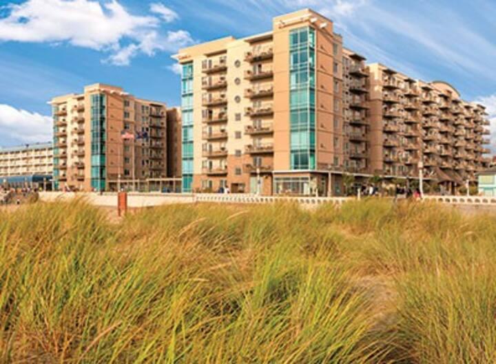 Seaside beach front Suite w/2 Prvt Bdrms(6 p.max)