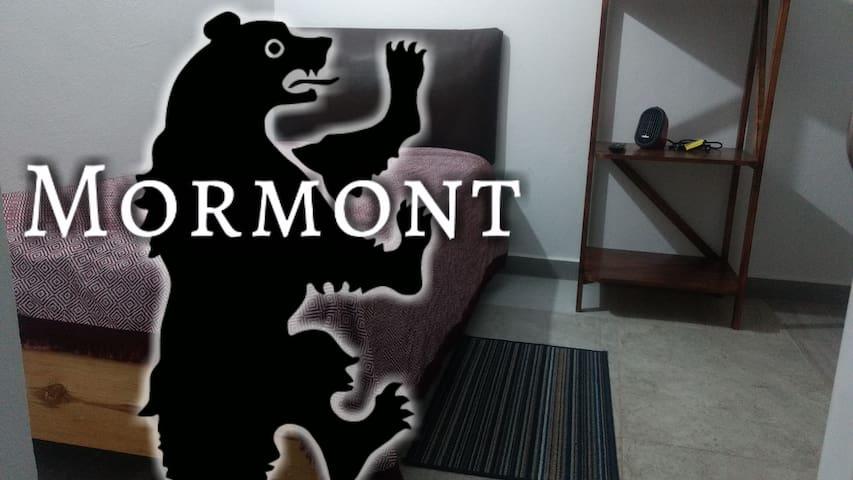 Casa Celia Mormont.  Estudio en Calle Gelati B4