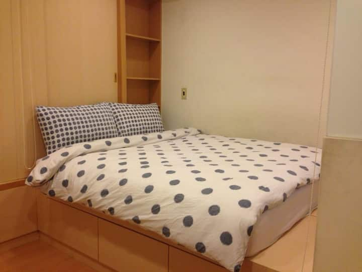 Double bed Private Ensuite in Shilin Night Market