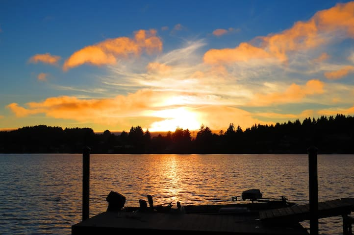 A sunset on Devil's Lake, also in Lincoln City.
