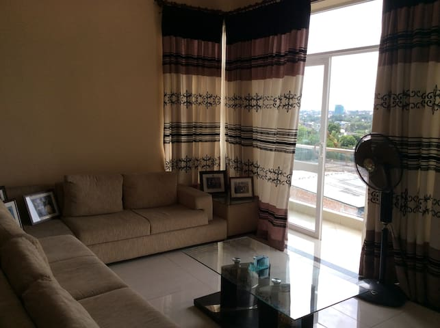 Penthouse Apartment in Colombo suburb with a View