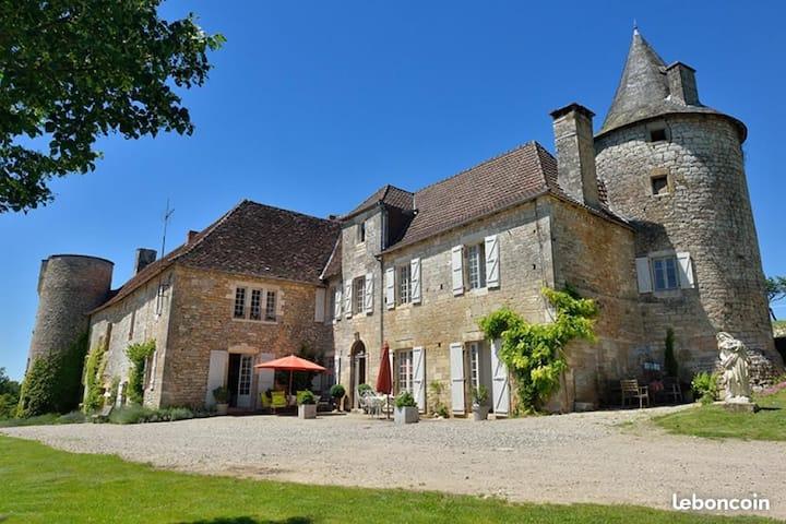Château de Tersac (chambres d'hôtes)