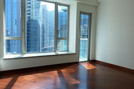 2 Bedrooms Apt in Wan Chai - Hong Kong Island - Apartment