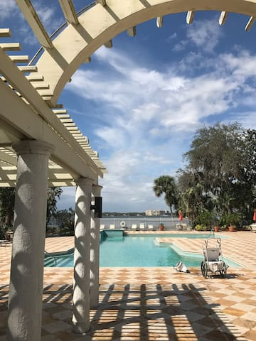 executive one bedroom - Merritt Island - Daire