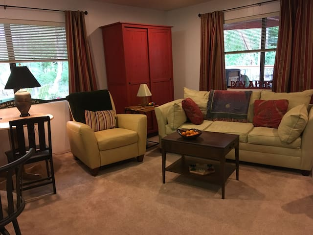 Creekside Suite in McMinnville, Oregon