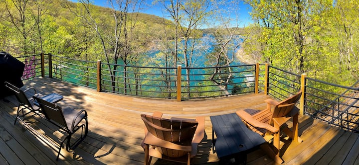 Fall Drive - Low Rates! Water Front on Beaver Lake, Private Boat Access, Large Decks with Lake View