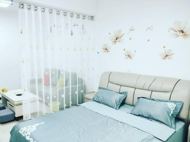 万达壹號美宿浪漫温馨大床房