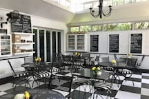 The onsite restaurant, Bella offers an excellent breakfast and impressive lunch menu.