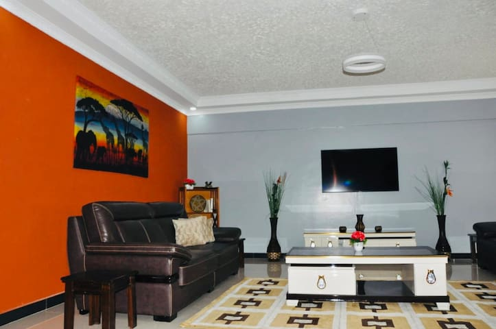 Luxury Solos Lavington 3-Bedroom Dream  Apartment