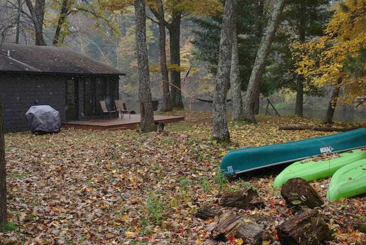 Fall Sale/River Cabin/$69 per night/Dog friendly