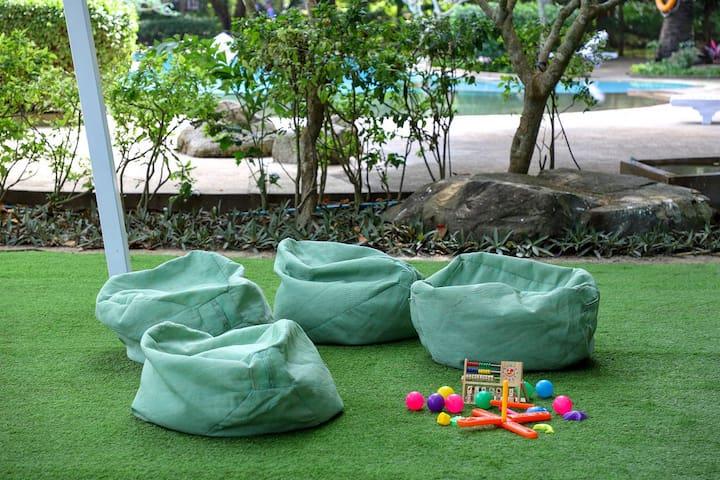 Common area - Playground
