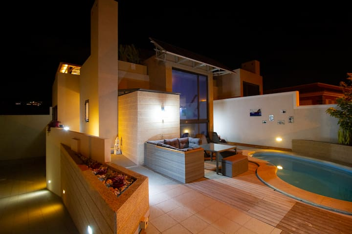 Luxury Villa, heated Pool, Yacuzzi, 300 m to beach