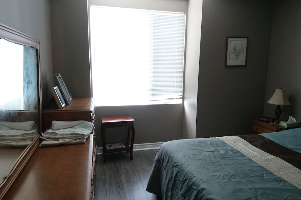 Cosy Bed Close To Mall Airport Hospital Apartments For Rent In Toronto Ontario Canada