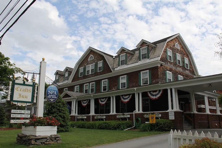 Crafts Inn in Vermont 1BR Suite, SATURDAY Check-In