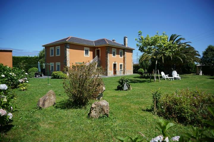 Casa Gayol con barbacoa cerca de la playa d Porcía