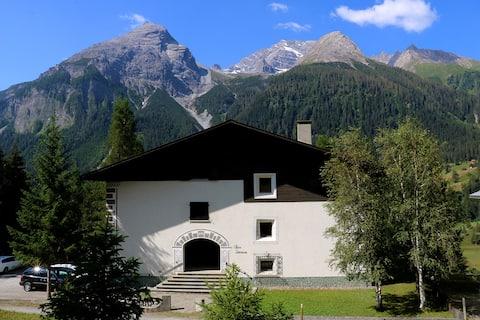 3-Zimmer Ferienwohnung am Sonnenhang von Bergün